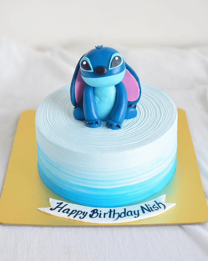 Graceful Lilo and Stitch Cake