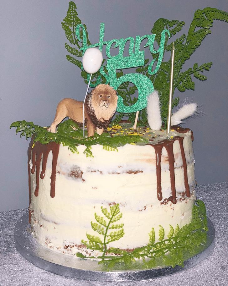 Adorable Lion Cake