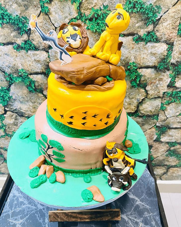 Fine Lion King Cake
