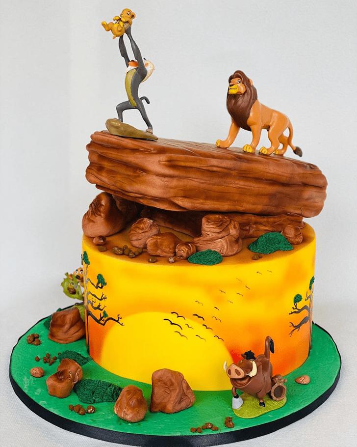 Good Looking Lion King Cake