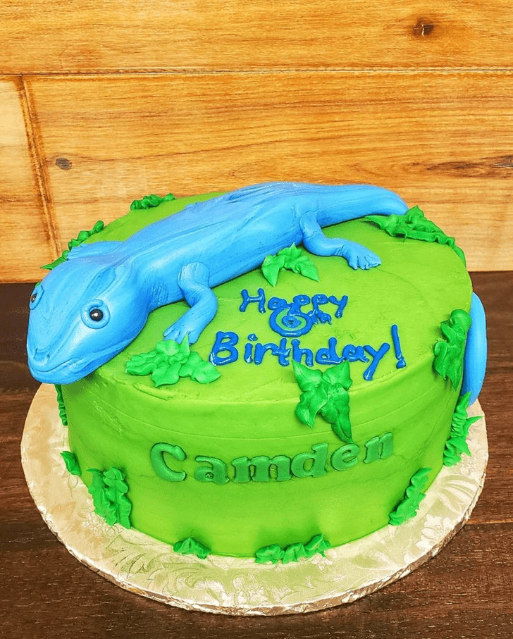 Beauteous Lizard Cake