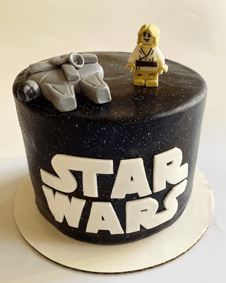 Adorable Luke Skywalker Cake