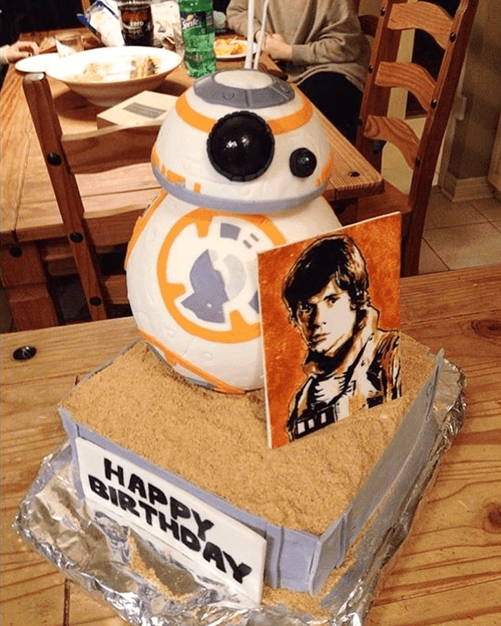 Beauteous Luke Skywalker Cake