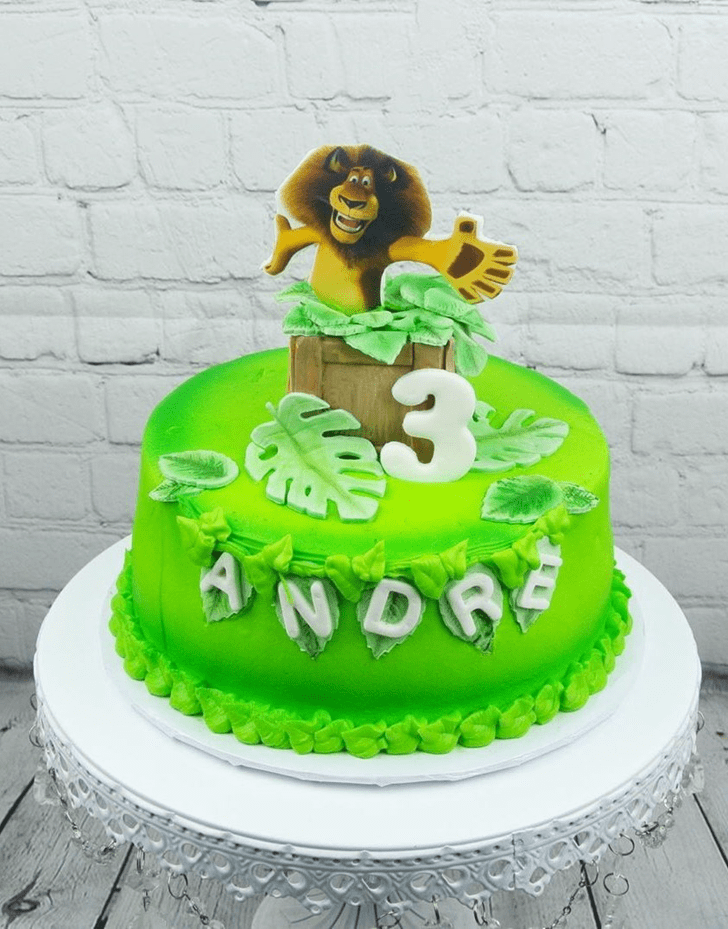 Admirable Madagascar Cake Design