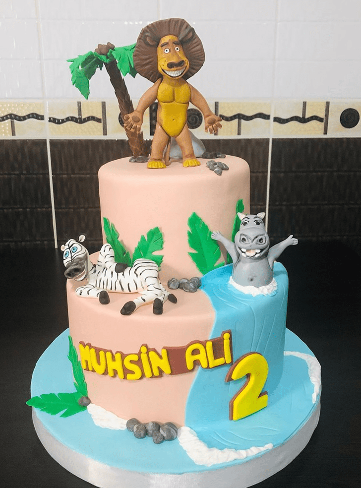 Charming Madagascar Cake