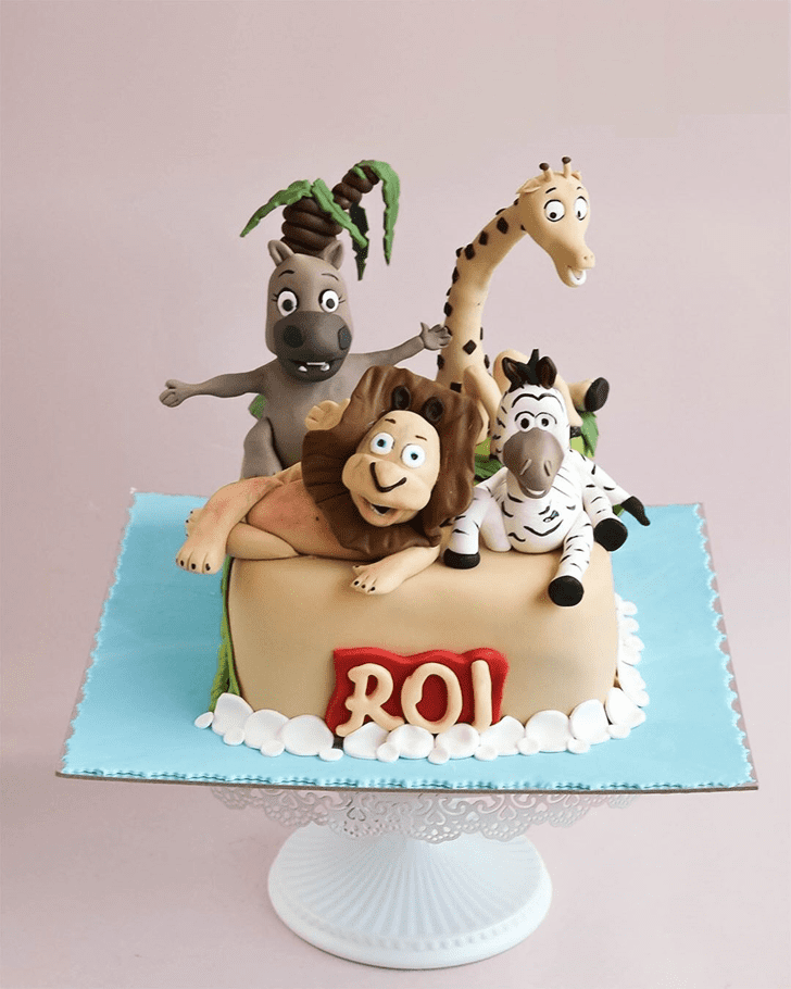 Graceful Madagascar Cake