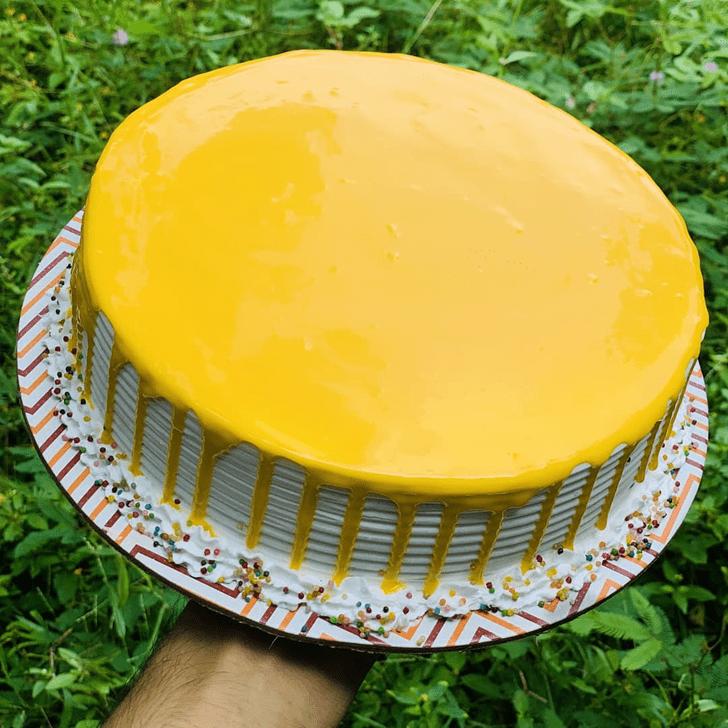 Charming Mango Cake