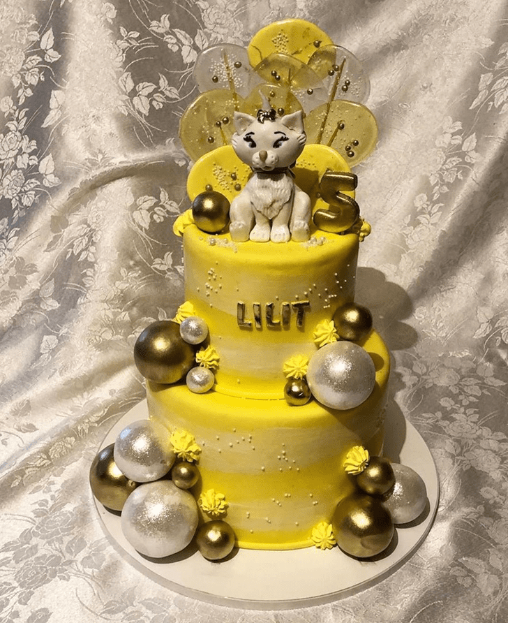 Adorable Disneys Marie Cake