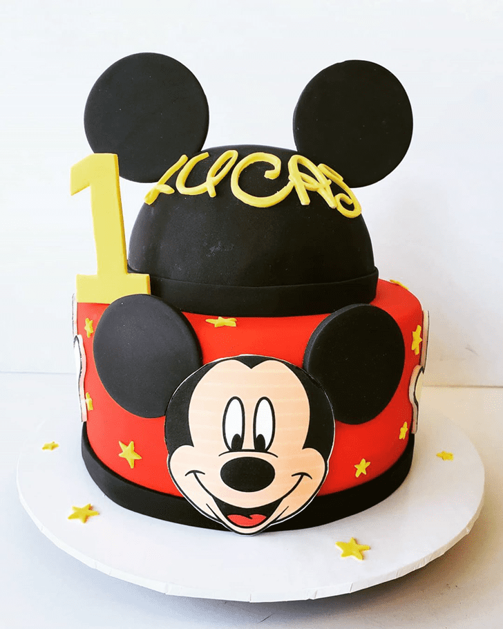 Angelic Micky Mouse Cake