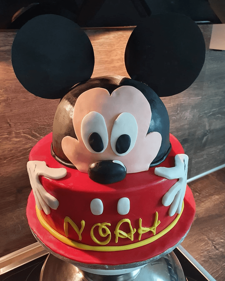 Beauteous Micky Mouse Cake