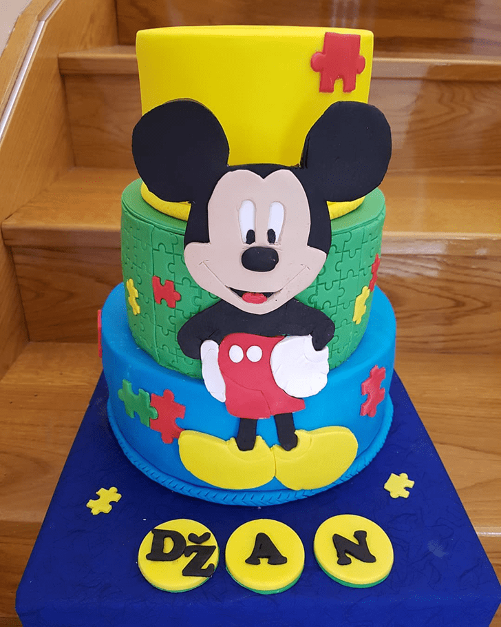 Comely Micky Mouse Cake
