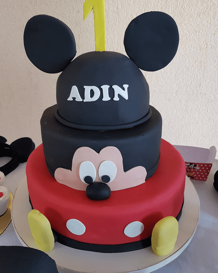 Cute Micky Mouse Cake
