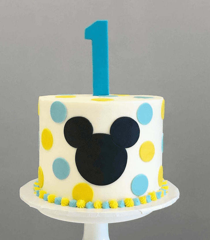 Delicate Micky Mouse Cake