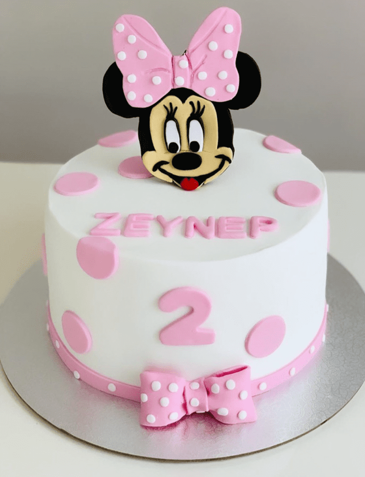 Exquisite Micky Mouse Cake