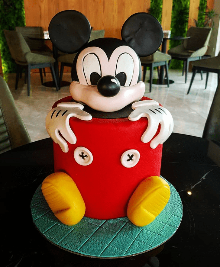 Fetching Micky Mouse Cake