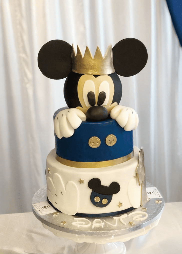 Mesmeric Micky Mouse Cake