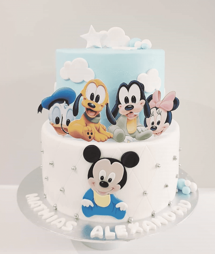 Nice Micky Mouse Cake