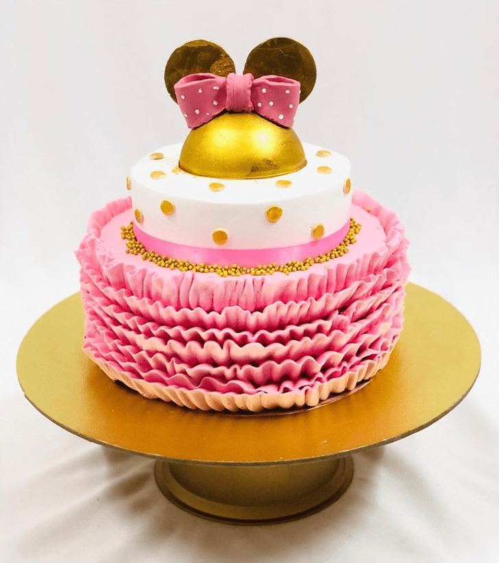 Pleasing Micky Mouse Cake
