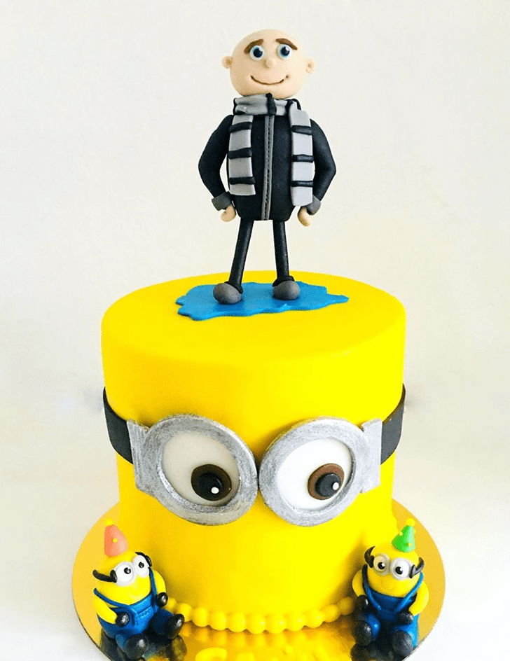 Wonderful Minions Cake Design