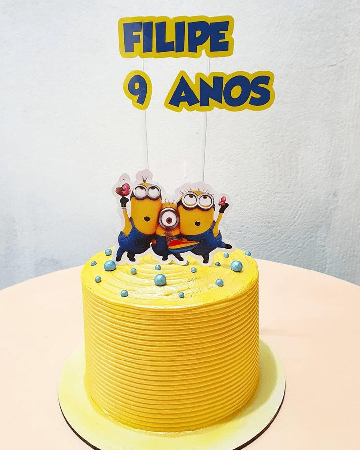 Grand Minions Cake