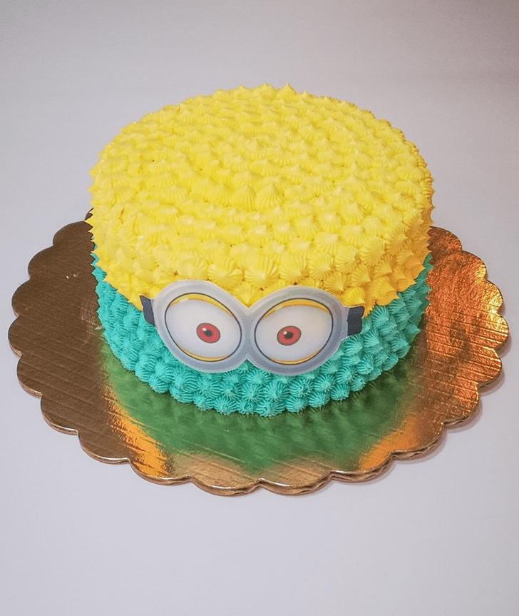Refined Minions Cake