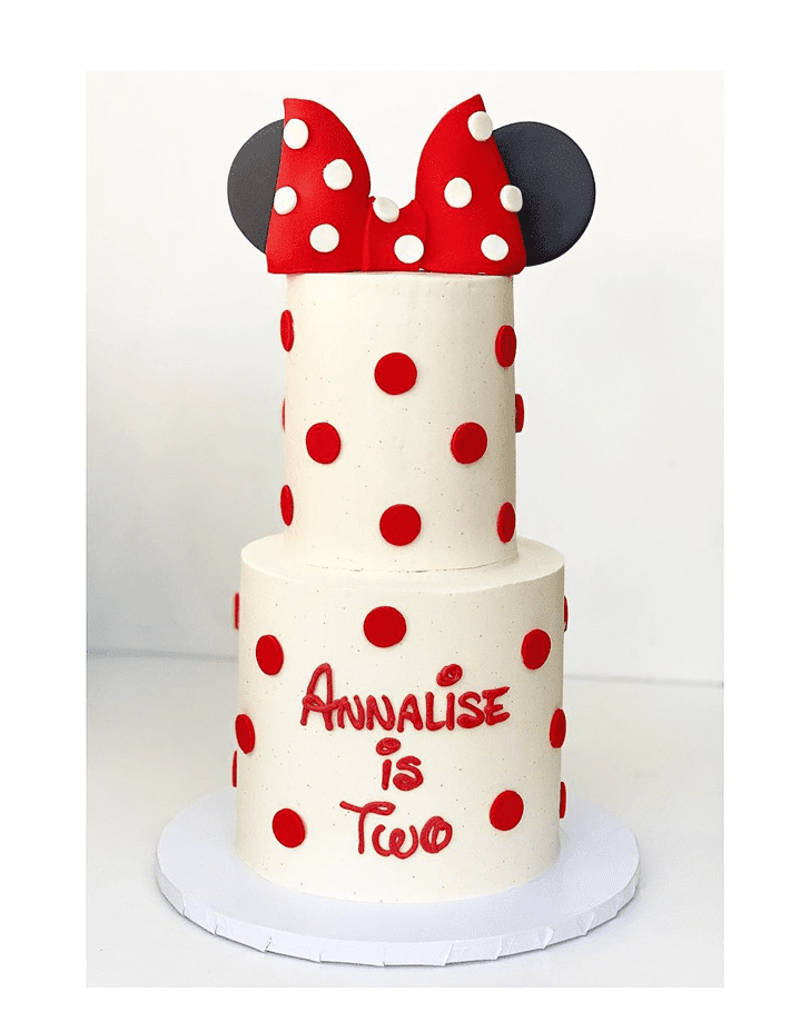 Appealing Minnie Mouse Cake