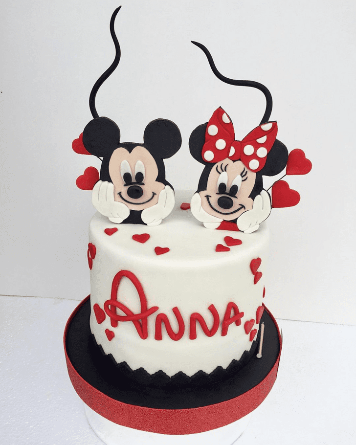 Beauteous Minnie Mouse Cake