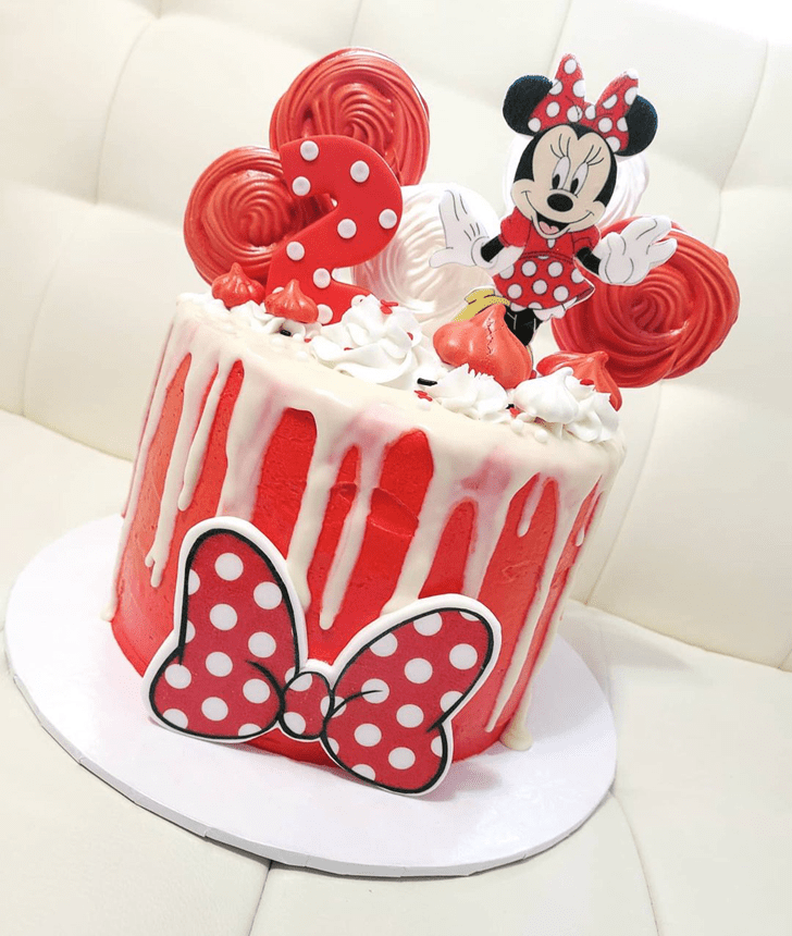 Classy Minnie Mouse Cake