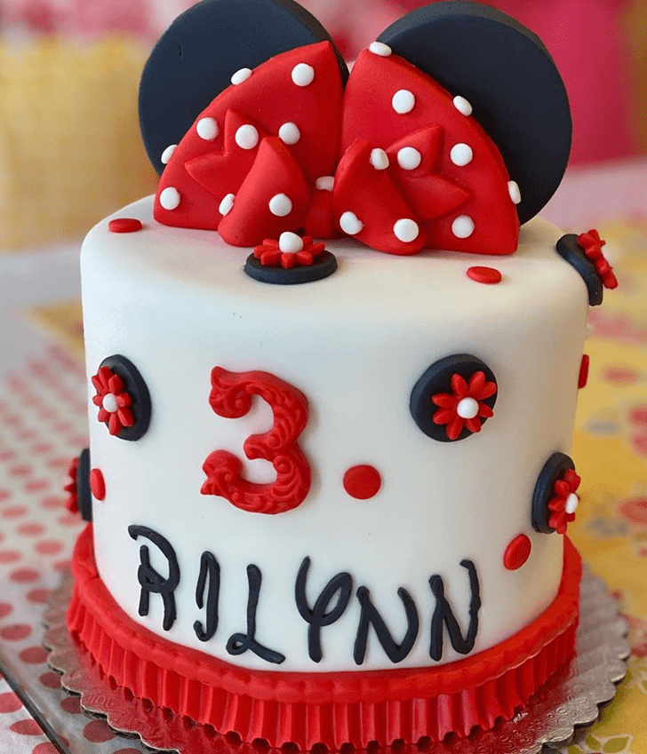 Marvelous Minnie Mouse Cake