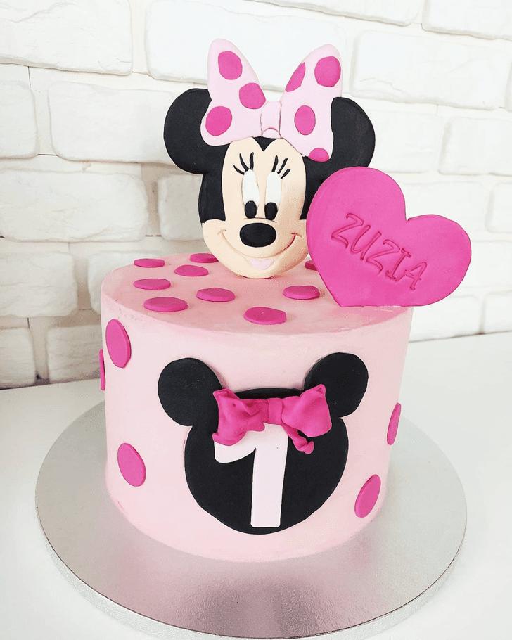 Stunning Minnie Mouse Cake