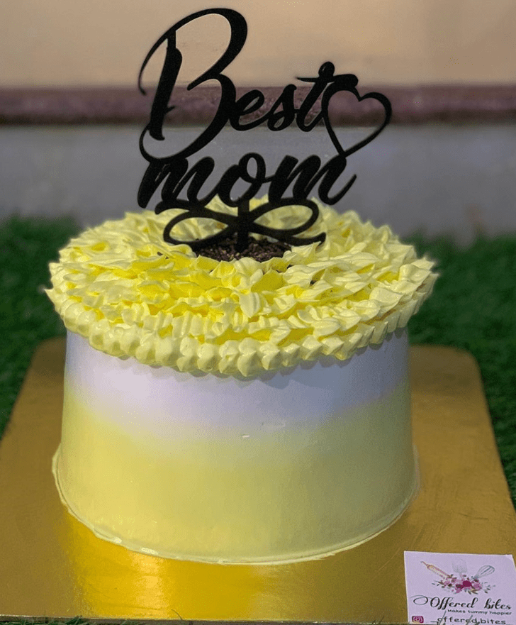 Admirable Mother Cake Design