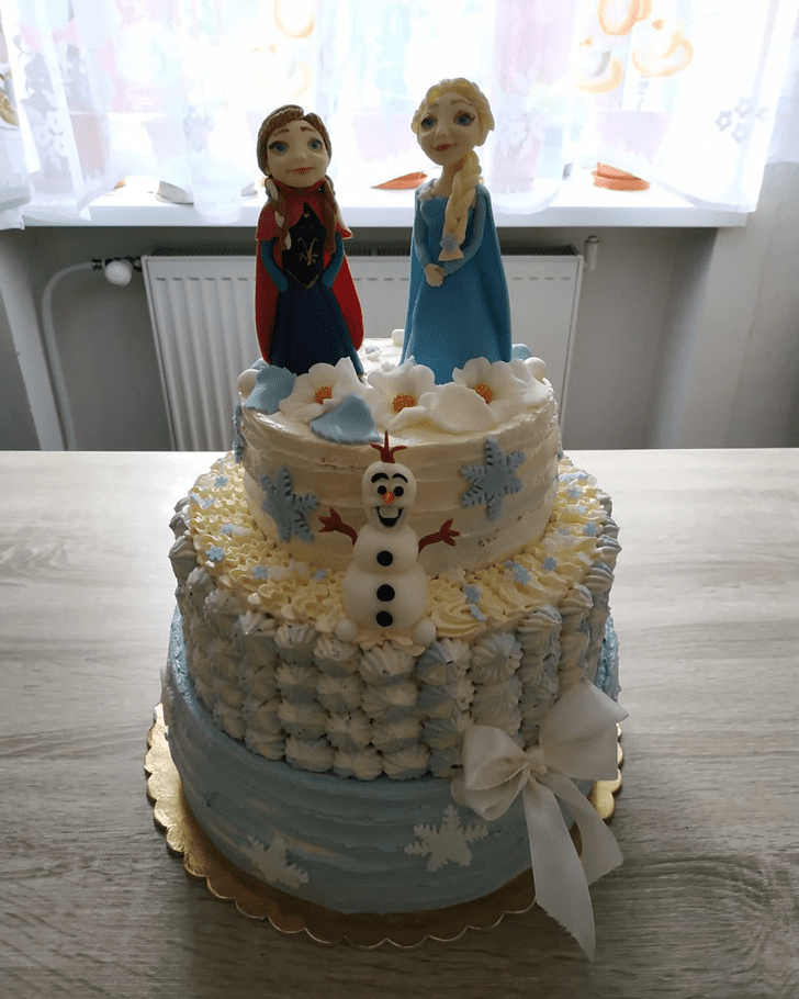 Magnificent Olaf Cake