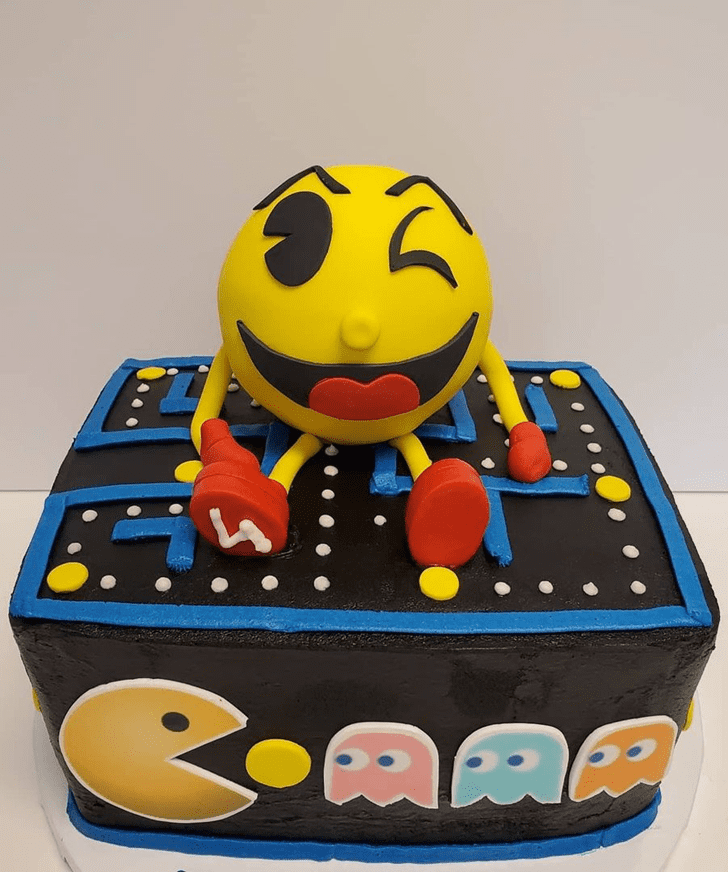 Comely PacMan Cake