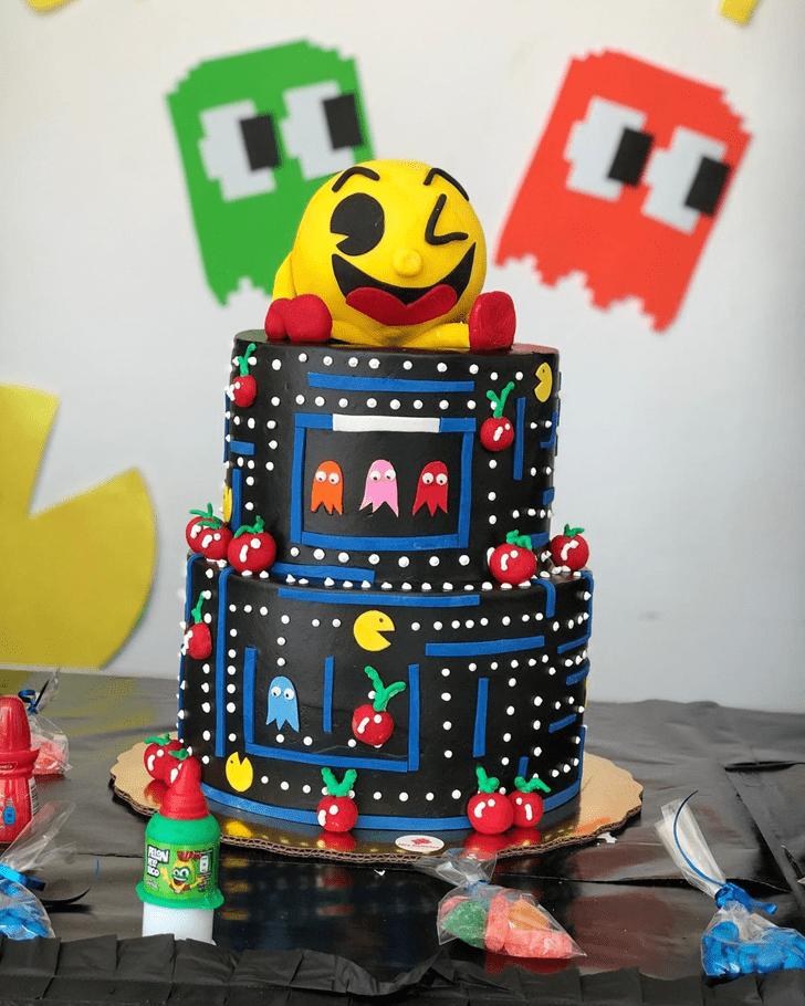 Inviting PacMan Cake