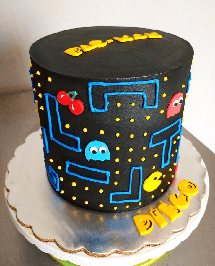Pretty PacMan Cake