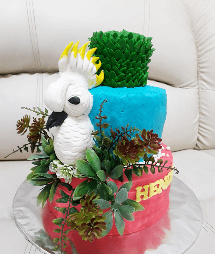 Enticing Parrot Cake
