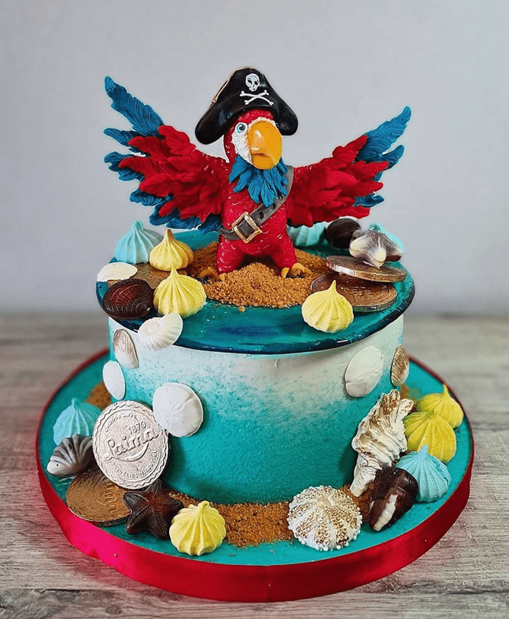 Good Looking Parrot Cake