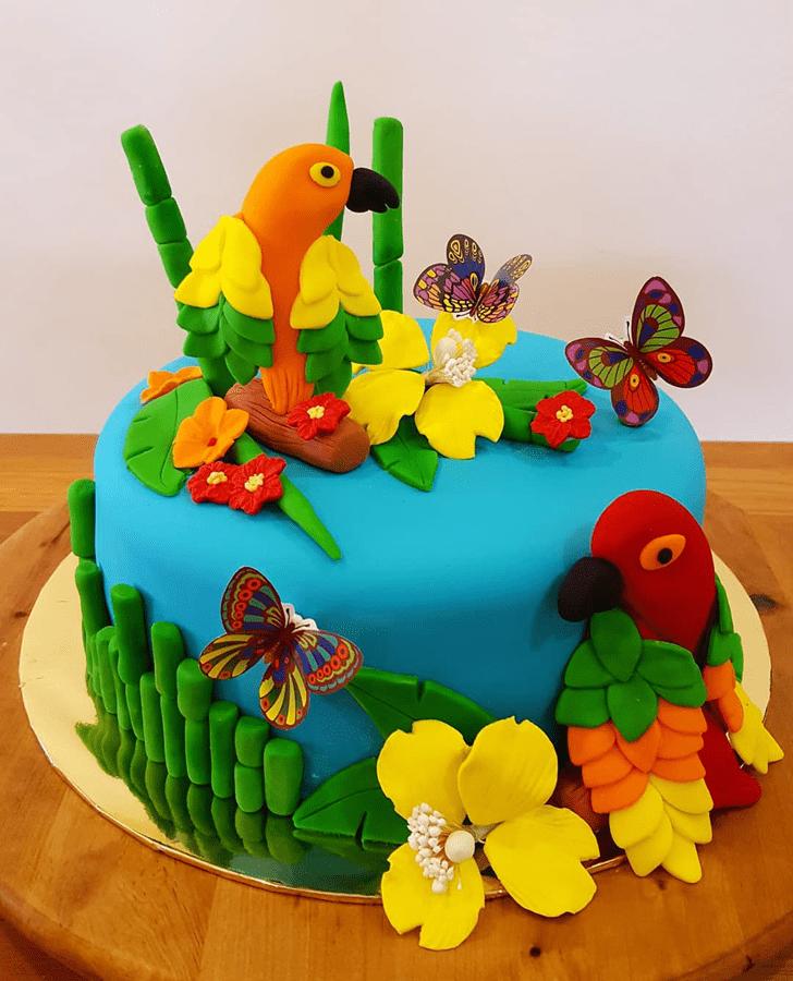 Graceful Parrot Cake