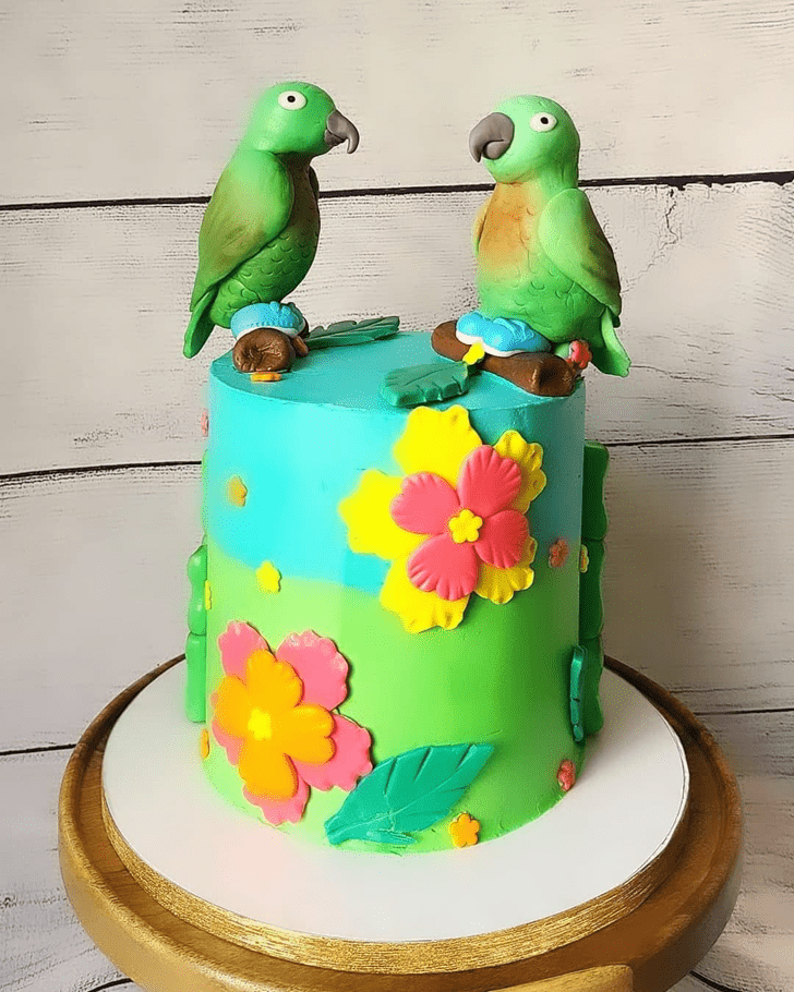Splendid Parrot Cake