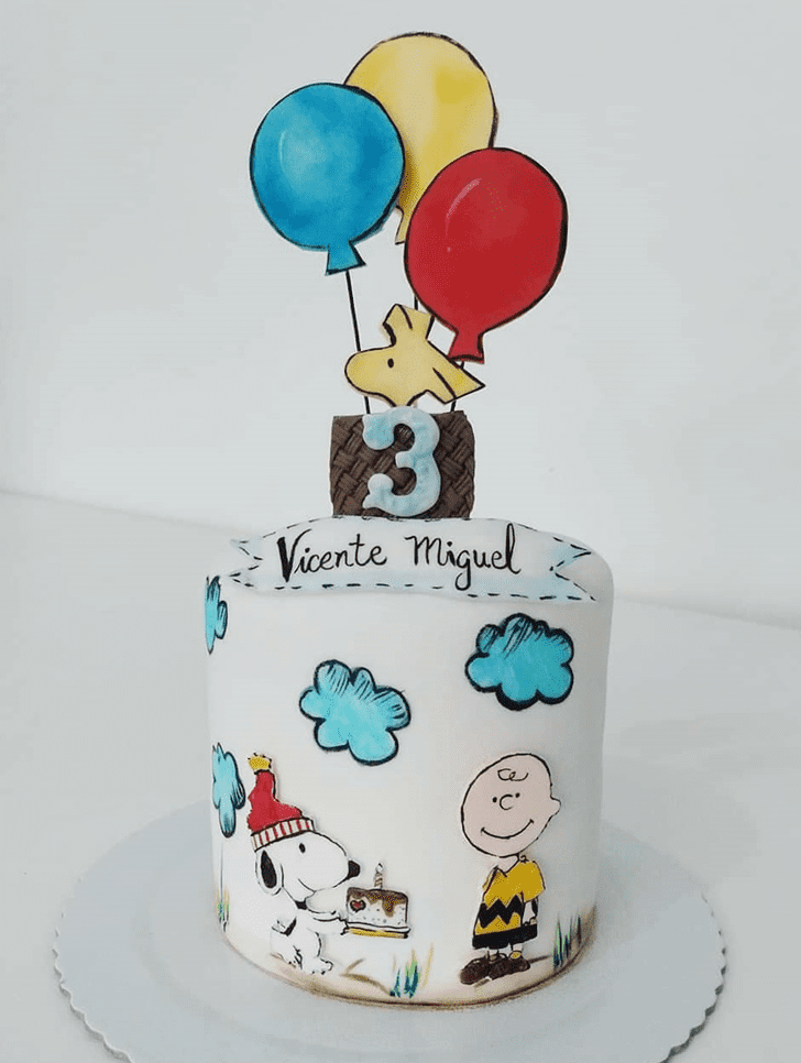 Magnetic The Peanuts Movie Cake