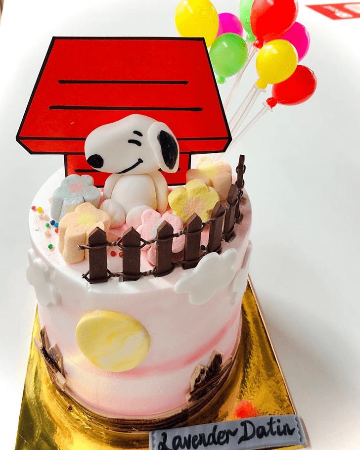 Refined The Peanuts Movie Cake