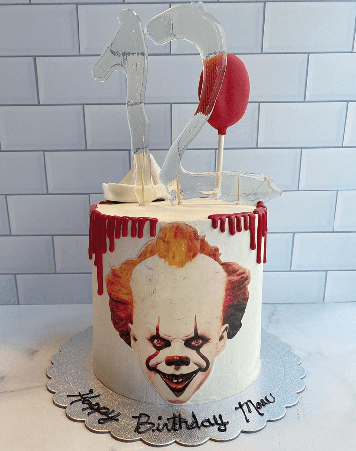 Classy Pennywise Cake