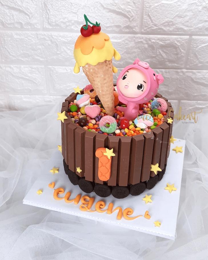 Mesmeric Pig Cake