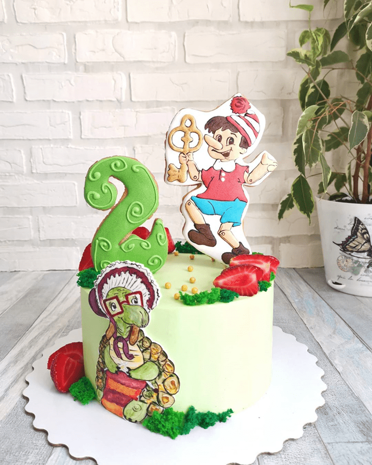 Comely  Pinocchio Cake