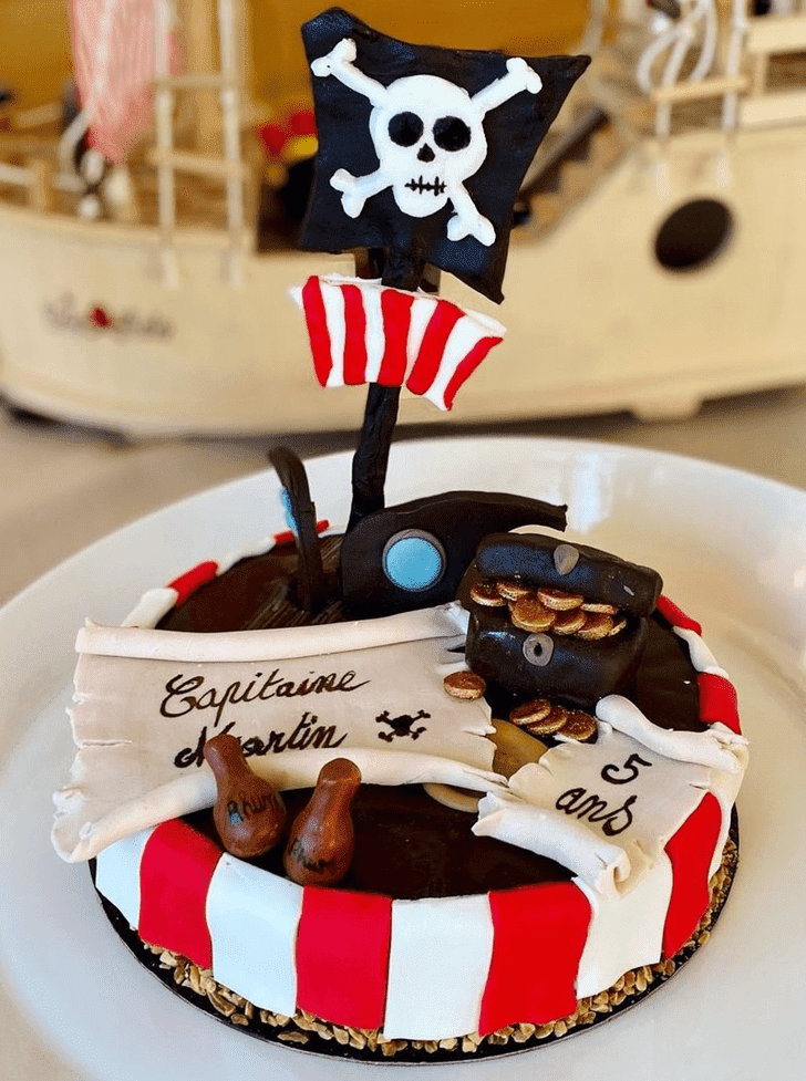 Beauteous Pirate Cake