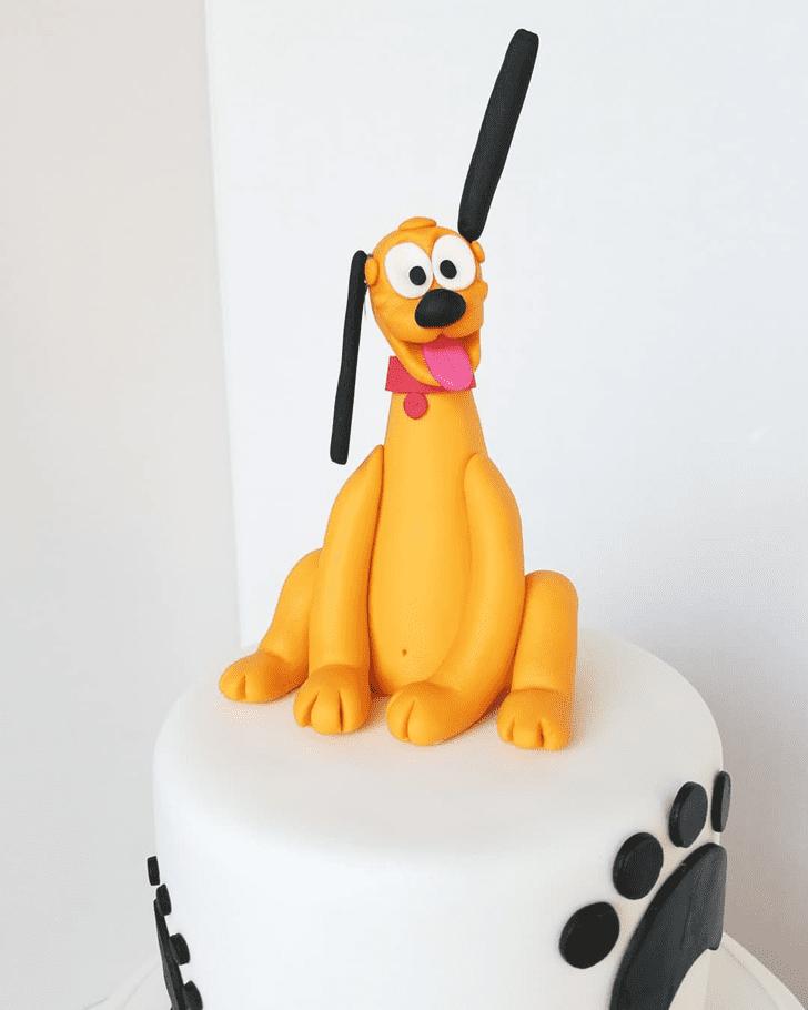 Pleasing Disneys Pluto Cake