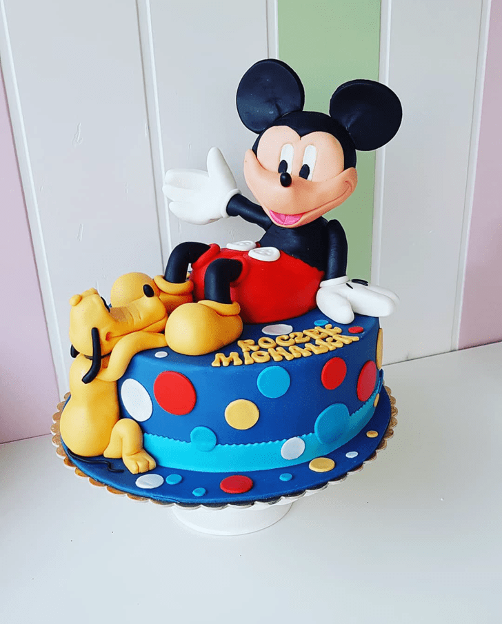Radiant Disneys Pluto Cake