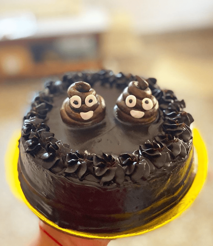 Adorable Poop Cake