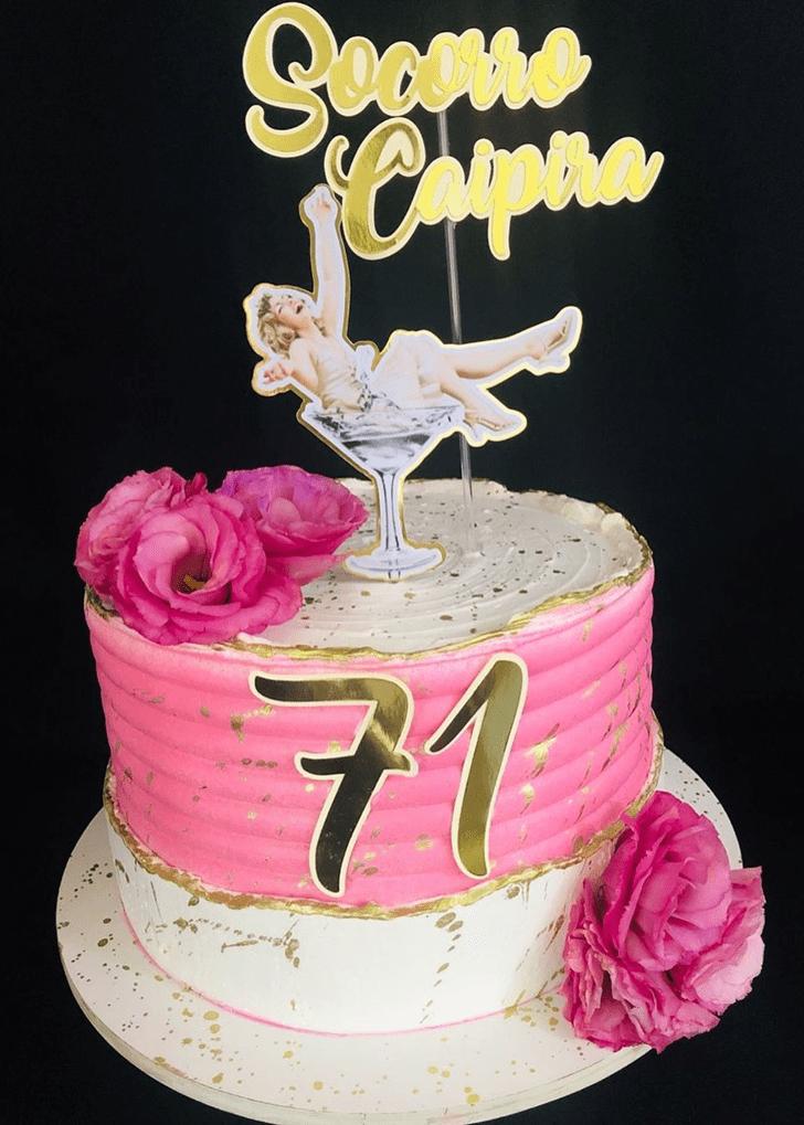 Delicate Pretty Woman Cake