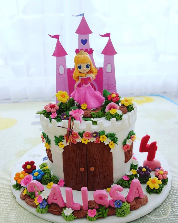 Lovely Princess Aurora Cake Design